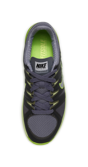 official photos bb5d2 f1812 nike lunar zumba