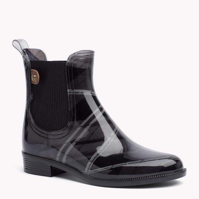 fdc9b0207ac24 Ceny obuvi pochádzajú z oficiálneho e-shopu Tommy Hilfiger, u  autorizovaných predajcoch budú spravidla nižšie.